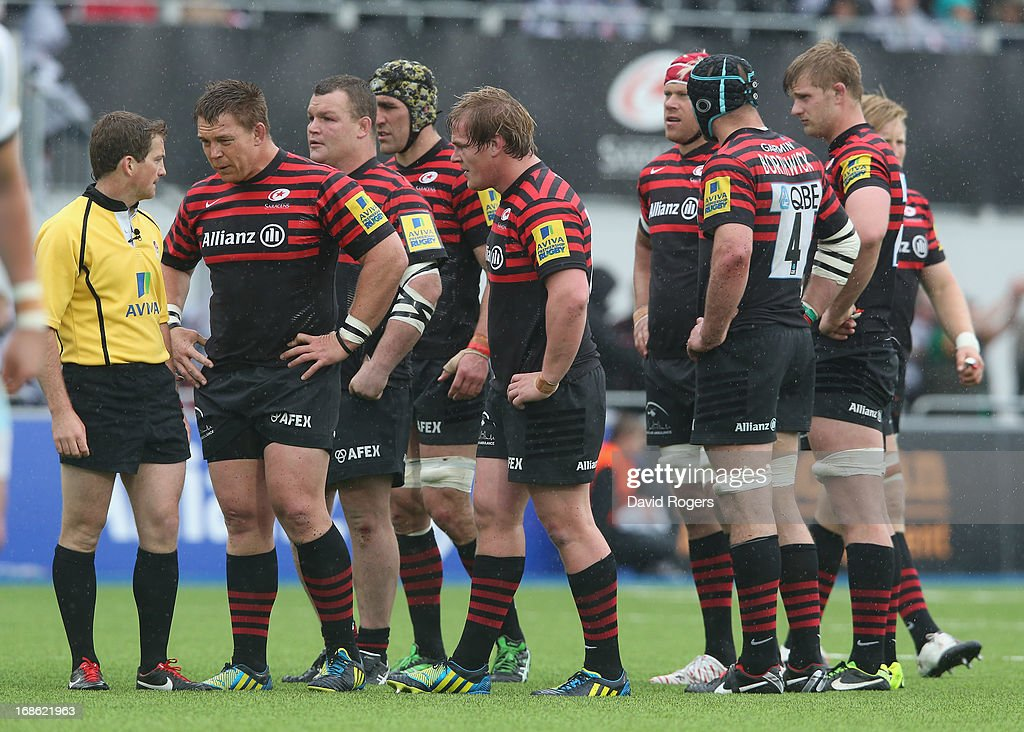 Saracens look dejected during the Aviva Premiership semi final match between Saracens and Northampton Saints at Allianz Park on May 12, 2013 in Barnet, England.