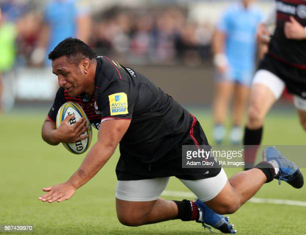Saracens' Mako Vunipola scores their first try during the Aviva Premiership match at Allianz Park London