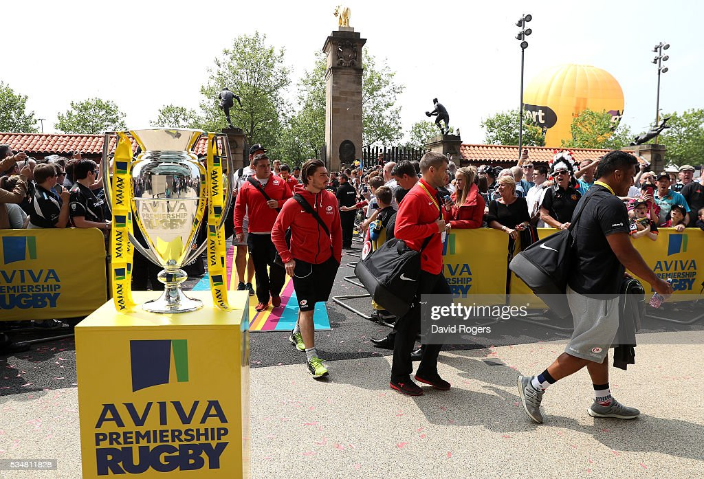 Saracens players arrive ahead of the Aviva Premiership final match between Saracens and Exeter Chiefs at Twickenham Stadium on May 28, 2016 in London, England.