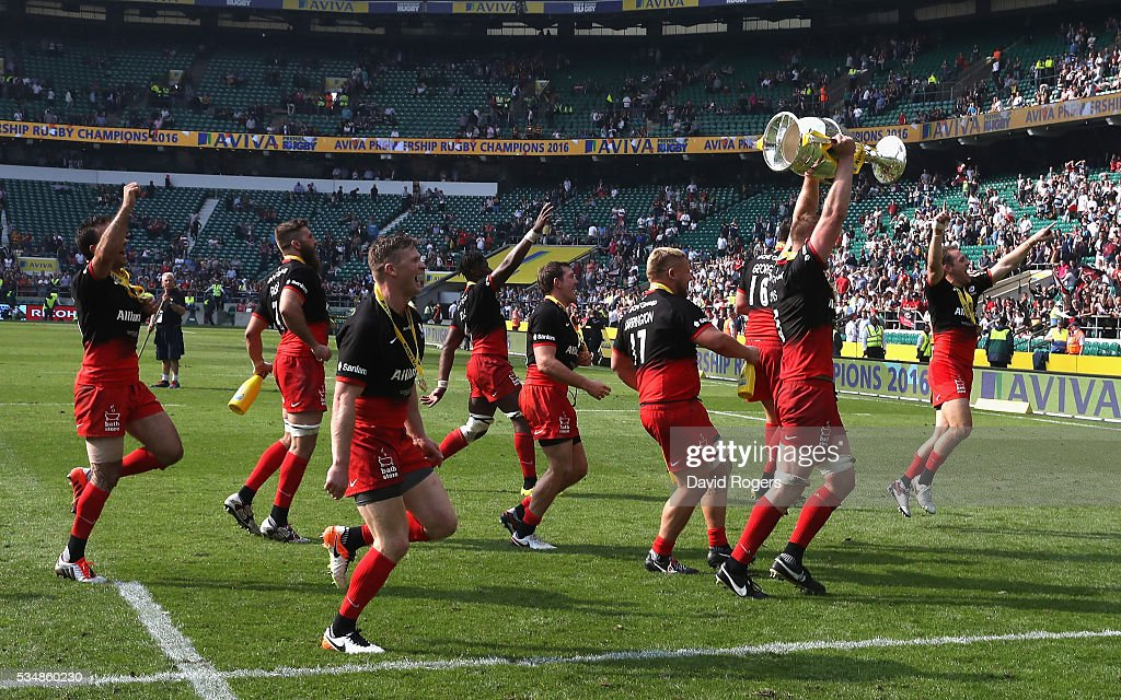 Saracens players celebrate after the Aviva Premiership final match between Saracens and Exeter Chiefs at Twickenham Stadium on May 28, 2016 in London, England.