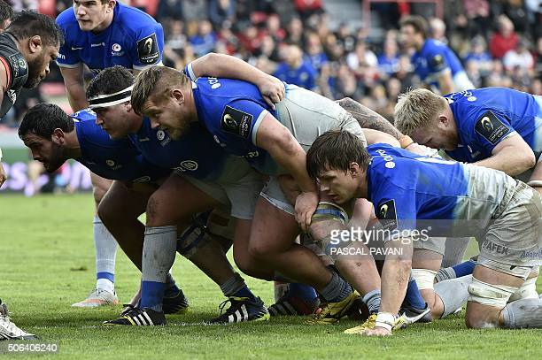 Saracens' players prepare for a scrum during the European Rugby Union Champions Cup match Toulouse against Saracens on January 23 2016 at the Ernest...