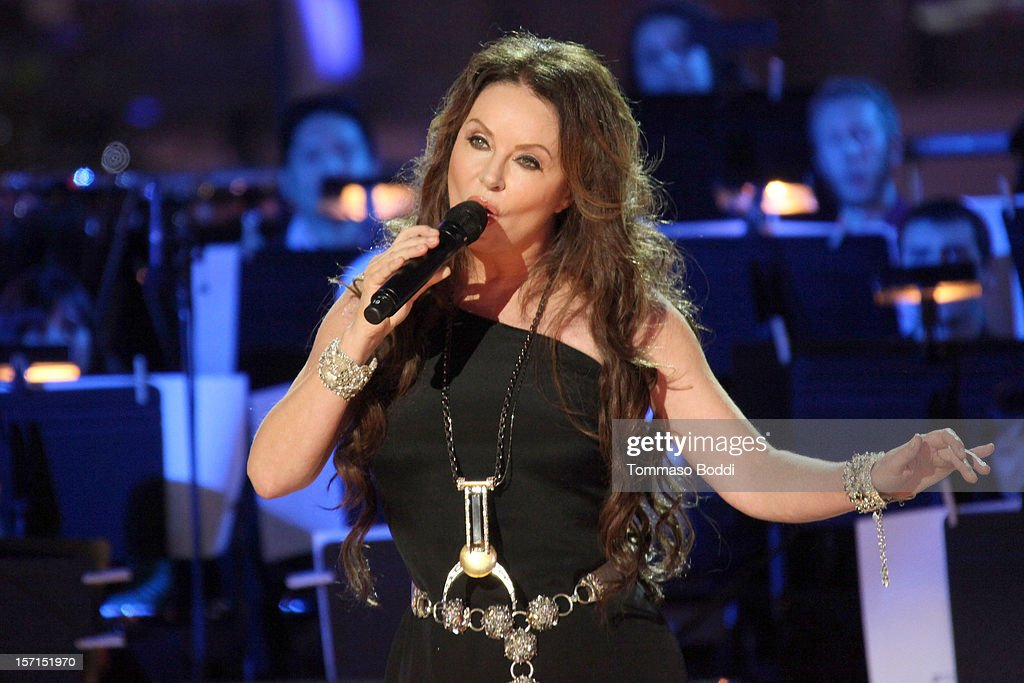 Sarah Brightman performs at the 5th annual Holiday Tree Lighting at L.A. LIVE & opening of LA Kings Holiday Ice held at Nokia Plaza L.A. LIVE on November 28, 2012 in Los Angeles, California.