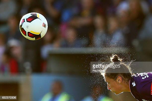 Sarah Carroll of the Glory heads the ball during the round 13 WLeague match between Perth Glory and Adelaide United at Dorrien Gardens on January 22...