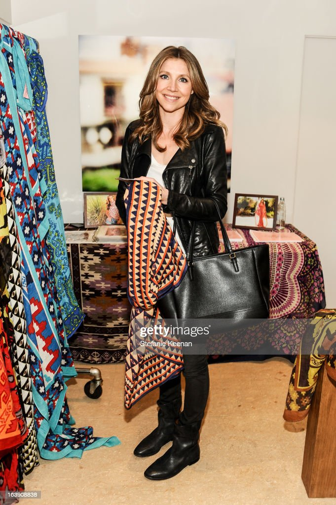 Sarah Chalke attends Theodora And Callum Cocktail Party on March 13, 2013 in Beverly Hills, California.