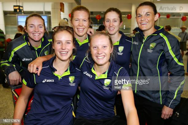 Sarah Coyte Ellyse Perry Alex Blackwell Alyssa Healy Rachael Haynes and Erin Osborne of the Australian women's cricket team pose after arriving home...
