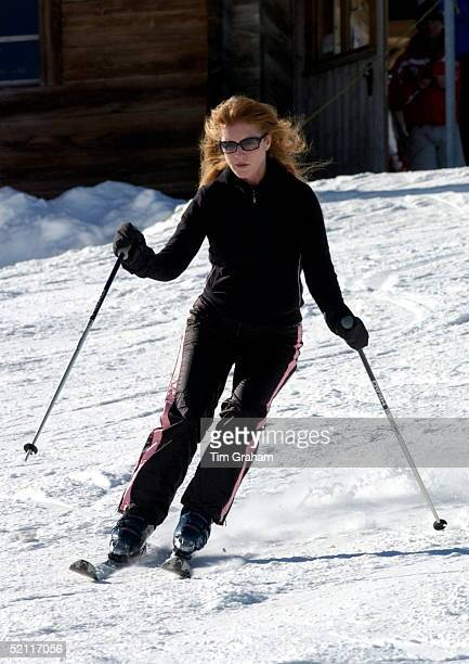Sarah Duchess Of York Skiing Confidently Down The Slopes At A Photocall During Her Winter Holiday In Verbier