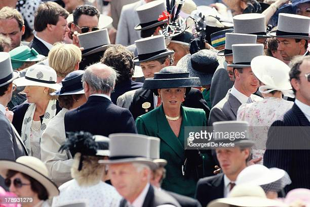 Sarah Ferguson Duchess of York in the crowd at Royal Ascot on June 21 1989 in Ascot England