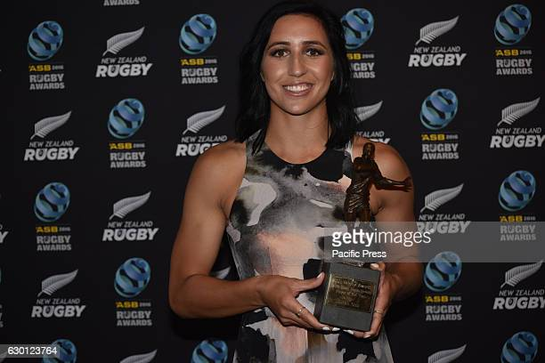 Sarah Goss wins Ferns Sevens Player of the Year at NZ Rugby Awards 2016