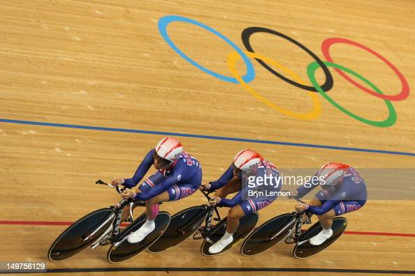 Sarah Hammer Dotsie Bausch and Jennie Reed of the United States compete in the Women's Team Pursuit Track Cycling qualifying on Day 7 of the London...