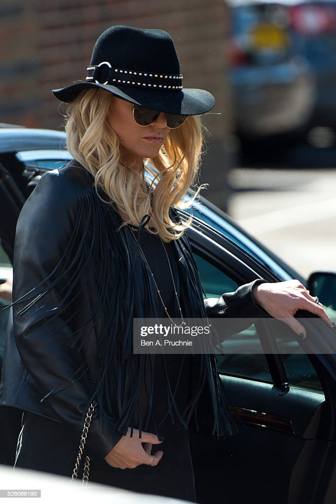 <a gi-track='captionPersonalityLinkClicked' href=/galleries/search?phrase=Sarah+Harding&family=editorial&specificpeople=202916 ng-click='$event.stopPropagation()'>Sarah Harding</a> attends the funeral of entertainer, producer and reality television star David Gest at Golders Green Crematorium on April 29, 2016 in London, England.