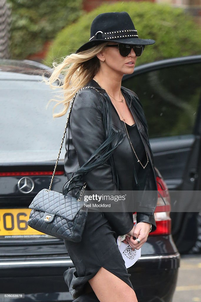 <a gi-track='captionPersonalityLinkClicked' href=/galleries/search?phrase=Sarah+Harding&family=editorial&specificpeople=202916 ng-click='$event.stopPropagation()'>Sarah Harding</a> departs the funeral of David Gest at Golders Green Crematorium on April 29, 2016 in London, England.