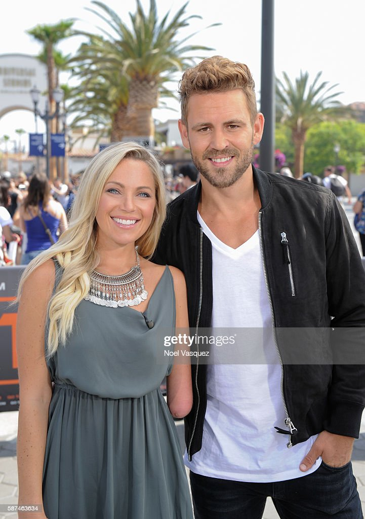 Sarah Herron and Nick Viall visit 'Extra' at Universal Studios Hollywood on August 8 2016 in Universal City California