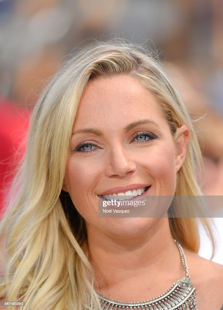 Sarah Herron visits 'Extra' at Universal Studios Hollywood on August 8 2016 in Universal City California
