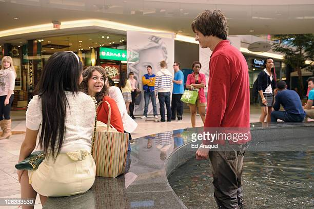 geek charming co stars dating Sarah hyland breaks silence on abusive ex-boyfriend matt prokop  the modern family star shared how she's  disney channel's original movie geek charming in.