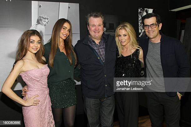 Sarah Hyland Sofia Vergara Eric Stonestreet Julie Bowen and Ty Burrell attend the Modern Family Pre SAG Dinner At Levi's Haus at Levi's Haus on...