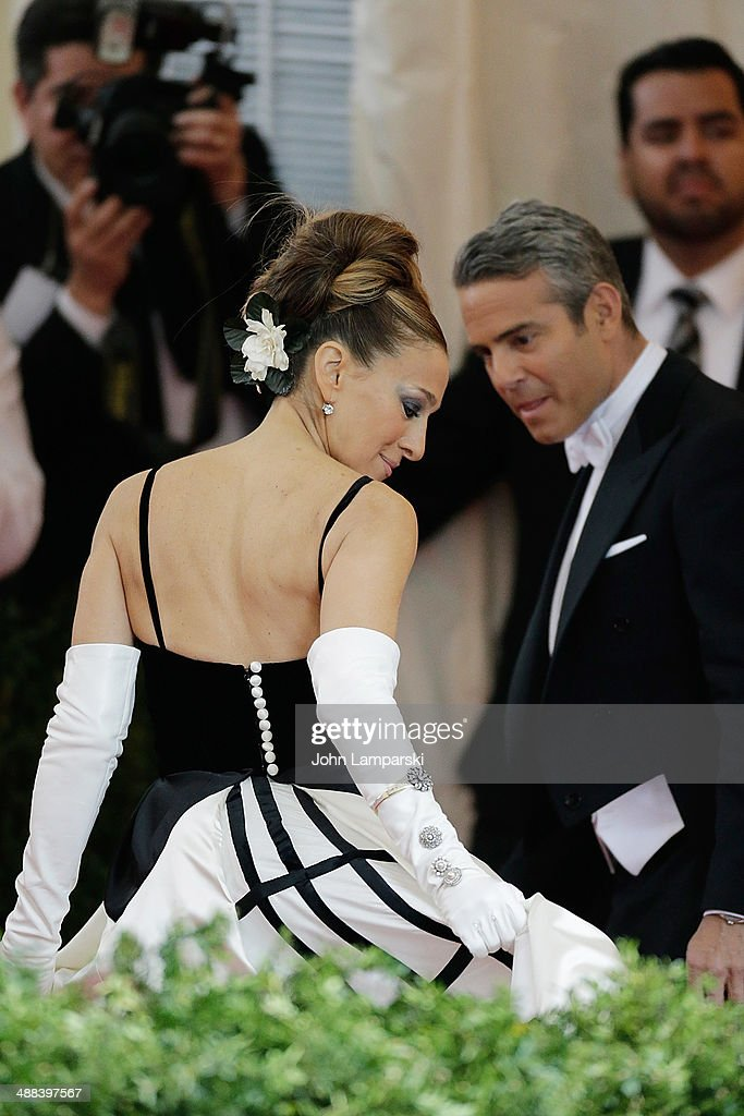 Sarah Jessica Parker and Andy Cohen attend the 'Charles James: Beyond Fashion' Costume Institute Gala at the Metropolitan Museum of Art on May 5, 2014 in New York City.