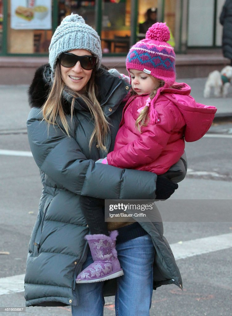 <a gi-track='captionPersonalityLinkClicked' href=/galleries/search?phrase=Sarah+Jessica+Parker&family=editorial&specificpeople=201693 ng-click='$event.stopPropagation()'>Sarah Jessica Parker</a> and her daughter, Loretta Broderick sighted on November 25, 2013 in New York City.
