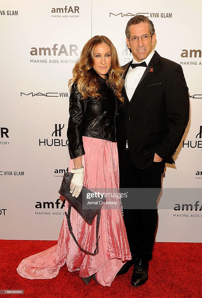<a gi-track='captionPersonalityLinkClicked' href=/galleries/search?phrase=Sarah+Jessica+Parker&family=editorial&specificpeople=201693 ng-click='$event.stopPropagation()'>Sarah Jessica Parker</a> and Kenneth Cole attend the amfAR New York Gala To Kick Off Fall 2012 Fashion Week at Cipriani Wall Street on February 8, 2012 in New York City.