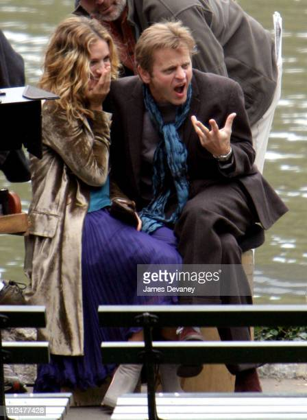 Sarah Jessica Parker and Mikhail Baryshnikov during Sarah Jessica Parker and Mikhail Baryshnikov on Location for 'Sex and the City' at Manhattan in...