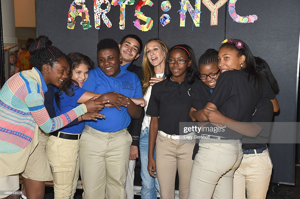 Sarah Jessica Parker and students attend a press conference launching Turnarond Arts in New York City Schools at the Brooklyn Museum on September 22...