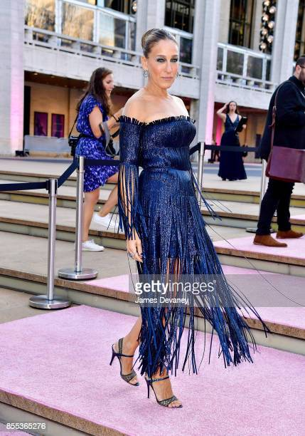 Sarah Jessica Parker arrives to the New York City Ballet's 2017 Fall Fashion Gala at David H Koch Theater at Lincoln Center on September 28 2017 in...