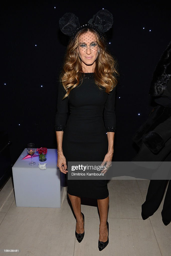 <a gi-track='captionPersonalityLinkClicked' href=/galleries/search?phrase=Sarah+Jessica+Parker&family=editorial&specificpeople=201693 ng-click='$event.stopPropagation()'>Sarah Jessica Parker</a> attends Barneys New York And Disney Electric Holiday Window Unveiling Hosted By <a gi-track='captionPersonalityLinkClicked' href=/galleries/search?phrase=Sarah+Jessica+Parker&family=editorial&specificpeople=201693 ng-click='$event.stopPropagation()'>Sarah Jessica Parker</a>, Bob Iger, And Mark Lee on November 14, 2012 in New York City.