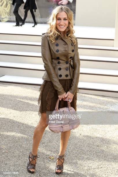 Sarah Jessica Parker attends the Burberry Prorsum S/S 2011 show at London Fashion Week at Chelsea College of Art and Design on September 21 2010 in...