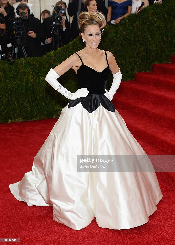 Sarah Jessica Parker attends the 'Charles James: Beyond Fashion' Costume Institute Gala at the Metropolitan Museum of Art on May 5, 2014 in New York City.