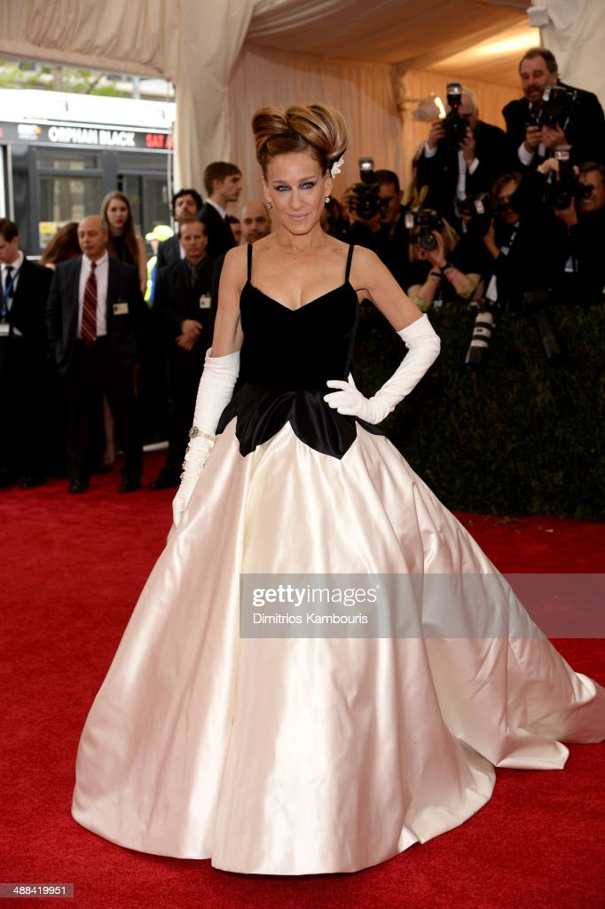 <a gi-track='captionPersonalityLinkClicked' href=/galleries/search?phrase=Sarah+Jessica+Parker&family=editorial&specificpeople=201693 ng-click='$event.stopPropagation()'>Sarah Jessica Parker</a> attends the 'Charles James: Beyond Fashion' Costume Institute Gala at the Metropolitan Museum of Art on May 5, 2014 in New York City.