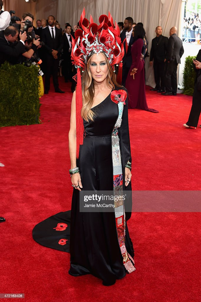 <a gi-track='captionPersonalityLinkClicked' href=/galleries/search?phrase=Sarah+Jessica+Parker&family=editorial&specificpeople=201693 ng-click='$event.stopPropagation()'>Sarah Jessica Parker</a> attends the 'China: Through The Looking Glass' Costume Institute Benefit Gala at the Metropolitan Museum of Art on May 4, 2015 in New York City.