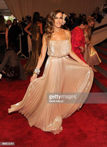 Sarah Jessica Parker attends the Costume Institute Gala Benefit to celebrate the opening of the 'American Woman Fashioning a National Identity'...