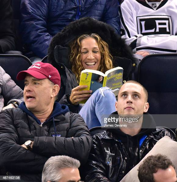 Sarah Jessica Parker attends the Los Angeles Kings vs New York Rangers game at Madison Square Garden on March 24 2015 in New York City