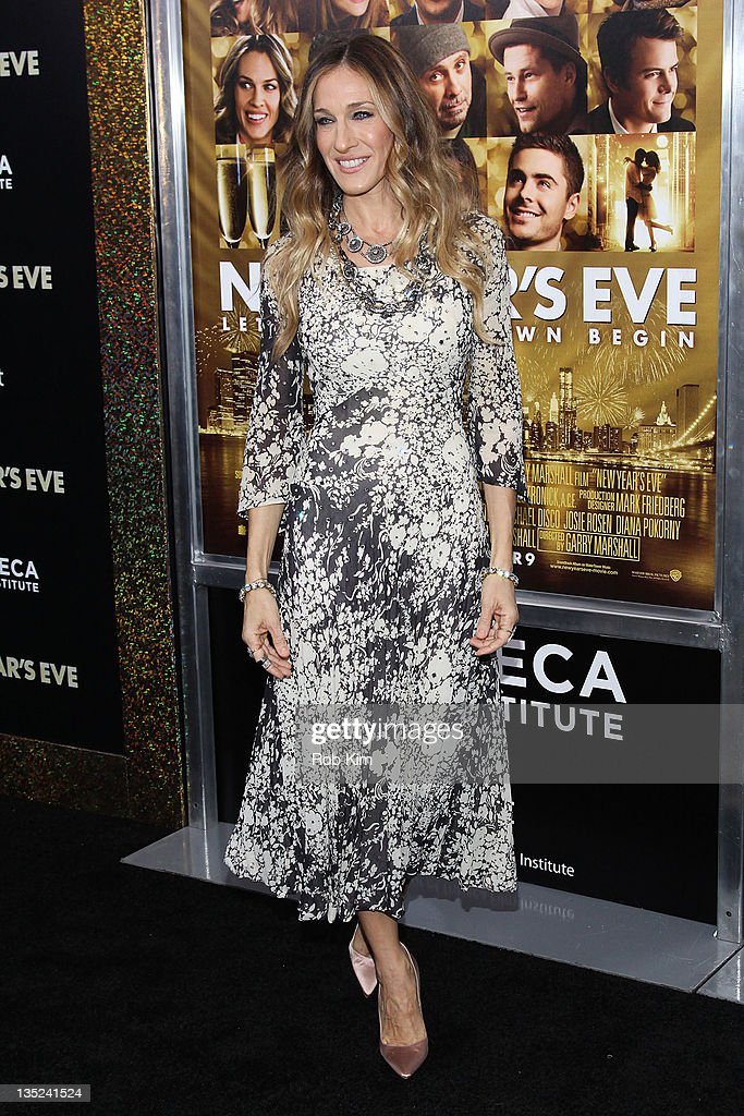 <a gi-track='captionPersonalityLinkClicked' href=/galleries/search?phrase=Sarah+Jessica+Parker&family=editorial&specificpeople=201693 ng-click='$event.stopPropagation()'>Sarah Jessica Parker</a> attends the 'New Year's Eve' premiere at the Ziegfeld Theatre on December 7, 2011 in New York City.