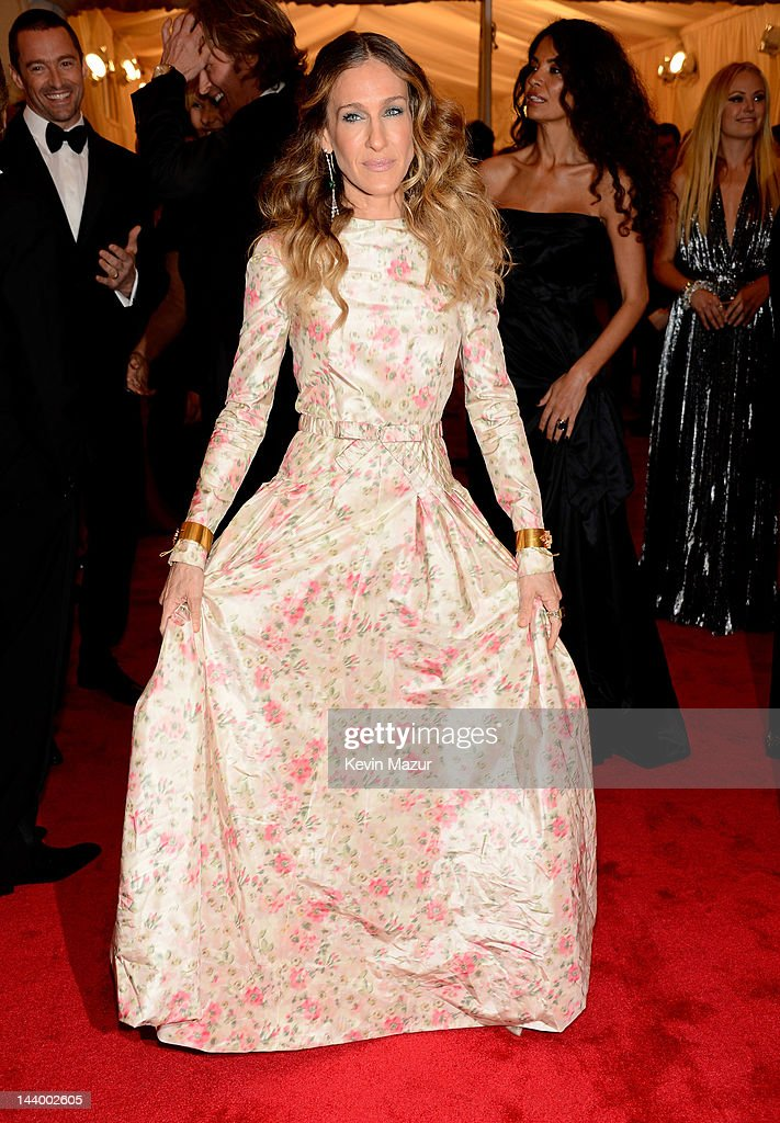 <a gi-track='captionPersonalityLinkClicked' href=/galleries/search?phrase=Sarah+Jessica+Parker&family=editorial&specificpeople=201693 ng-click='$event.stopPropagation()'>Sarah Jessica Parker</a> attends the 'Schiaparelli And Prada: Impossible Conversations' Costume Institute Gala at the Metropolitan Museum of Art on May 7, 2012 in New York City.