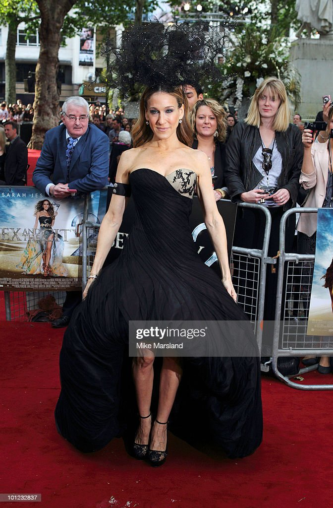 Sarah Jessica Parker attends the UK premiere of Sex And The City 2 at Odeon Leicester Square on May 27, 2010 in London, England.