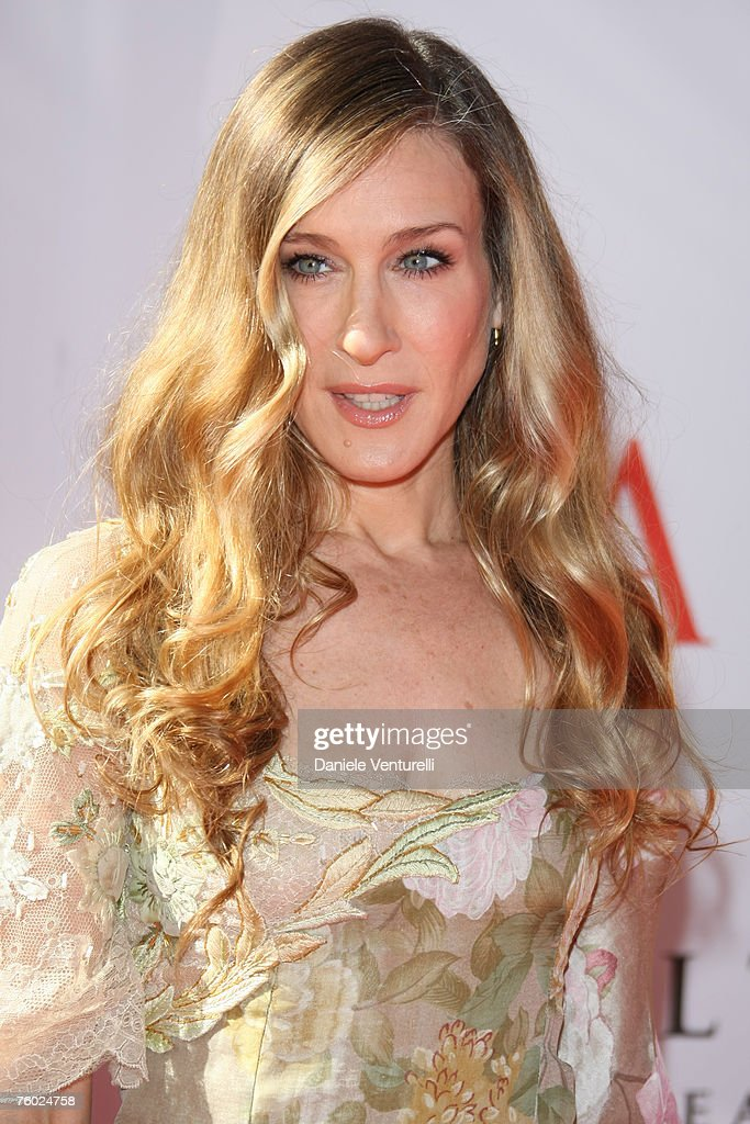<a gi-track='captionPersonalityLinkClicked' href=/galleries/search?phrase=Sarah+Jessica+Parker&family=editorial&specificpeople=201693 ng-click='$event.stopPropagation()'>Sarah Jessica Parker</a> during the Valentino 45th anniversary July 7, 2007 in Rome, Italy.