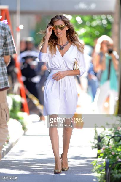 Sarah Jessica Parker filming on location for 'Sex And The City 2' on the Streets of Manhattan on September 1 2009 in New York City