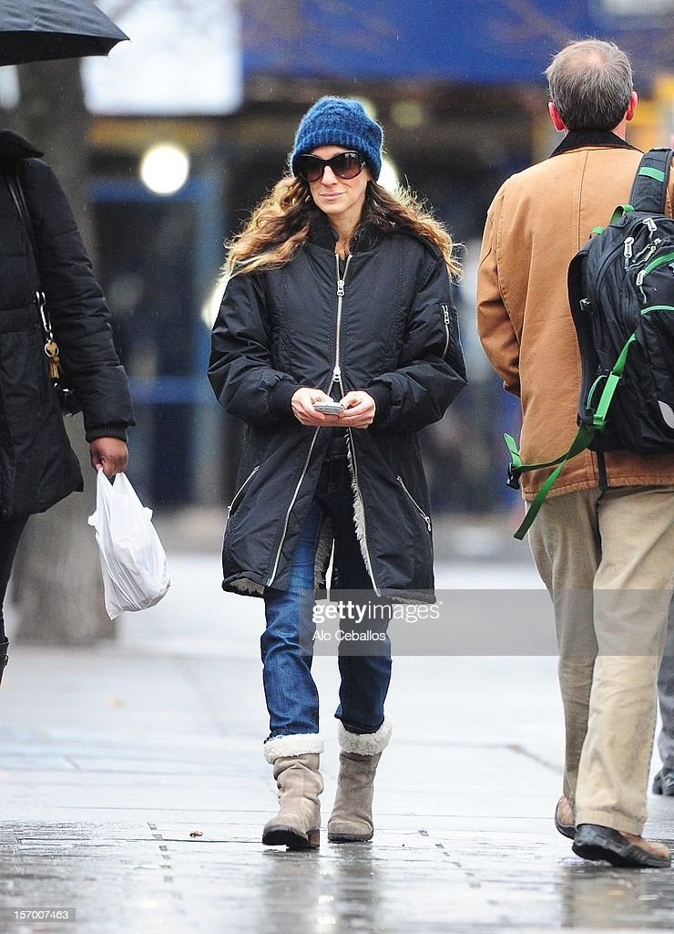 <a gi-track='captionPersonalityLinkClicked' href=/galleries/search?phrase=Sarah+Jessica+Parker&family=editorial&specificpeople=201693 ng-click='$event.stopPropagation()'>Sarah Jessica Parker</a> is seen in the West Village at Streets of Manhattan on November 27, 2012 in New York City.
