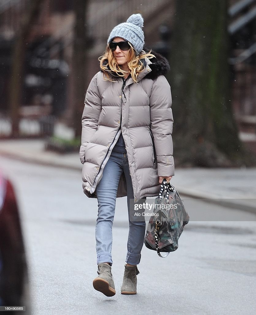 <a gi-track='captionPersonalityLinkClicked' href=/galleries/search?phrase=Sarah+Jessica+Parker&family=editorial&specificpeople=201693 ng-click='$event.stopPropagation()'>Sarah Jessica Parker</a> is seen in the West Village on February 1, 2013 in New York City.