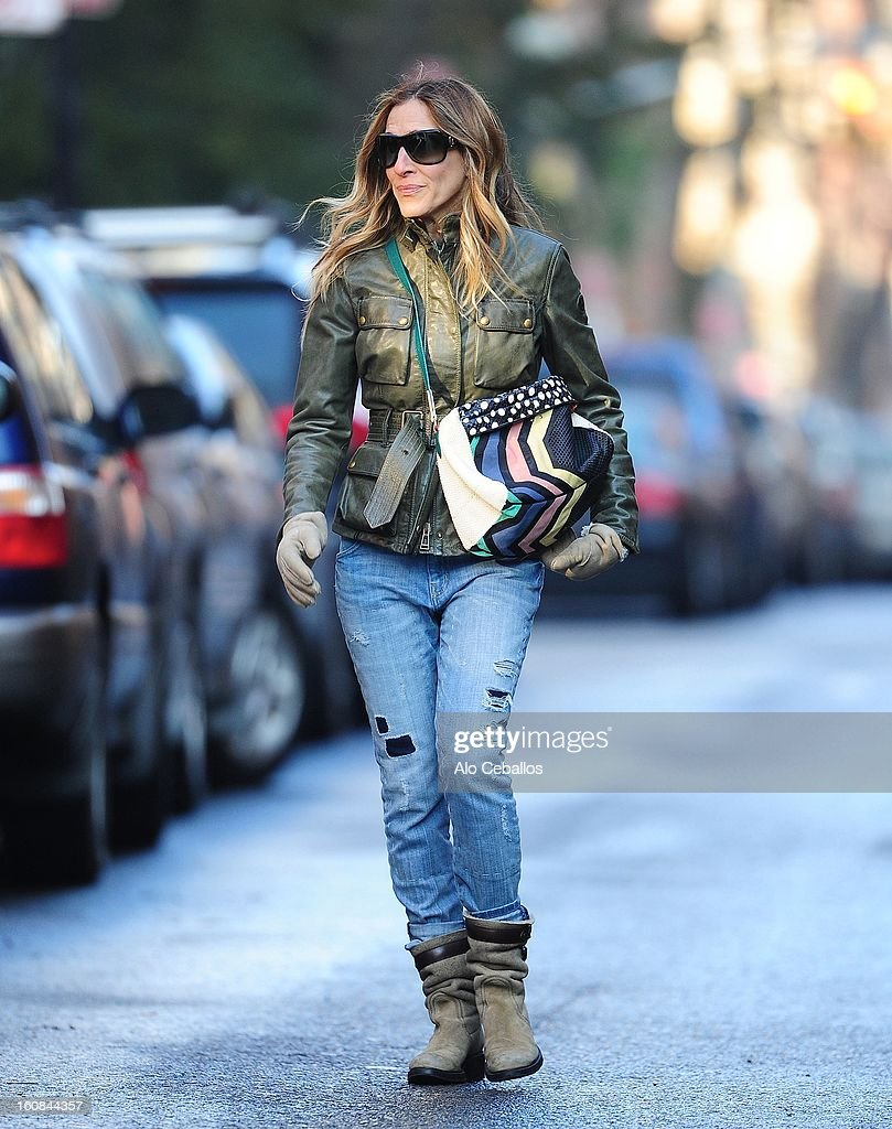 <a gi-track='captionPersonalityLinkClicked' href=/galleries/search?phrase=Sarah+Jessica+Parker&family=editorial&specificpeople=201693 ng-click='$event.stopPropagation()'>Sarah Jessica Parker</a> is seen in the West Village on February 6, 2013 in New York City.