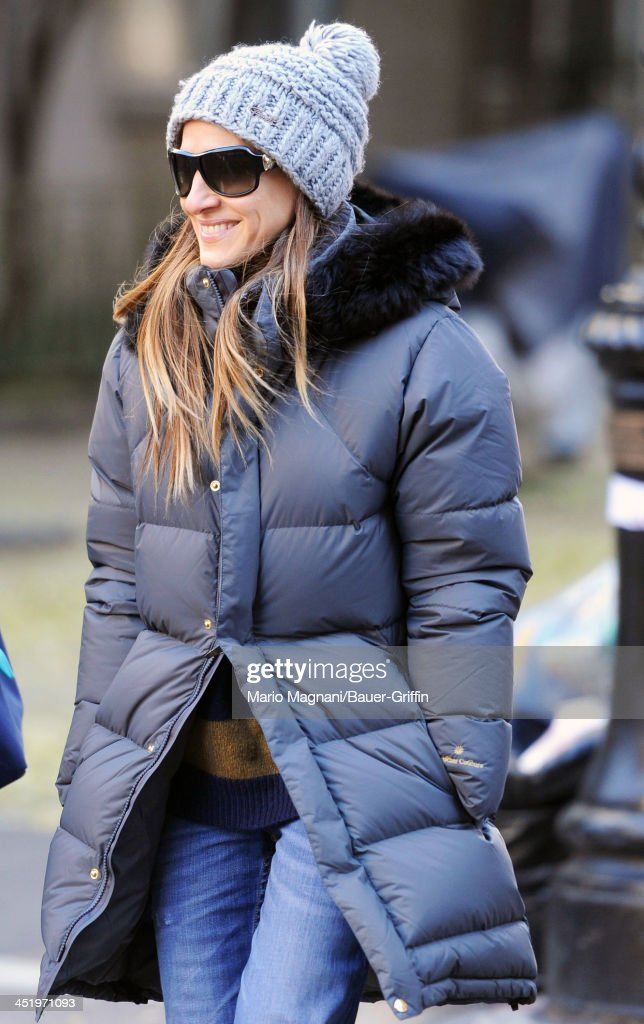 <a gi-track='captionPersonalityLinkClicked' href=/galleries/search?phrase=Sarah+Jessica+Parker&family=editorial&specificpeople=201693 ng-click='$event.stopPropagation()'>Sarah Jessica Parker</a> is seen out for a stroll on November 25, 2013 in New York City.