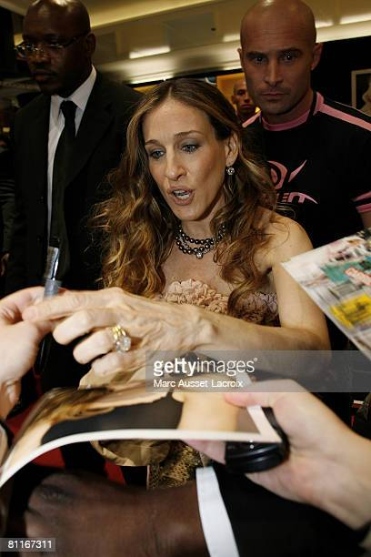 Sarah Jessica Parker launches her perfume 'Covet' in the ChampsElysees Sephora Shop on May 19 2008 in Paris France