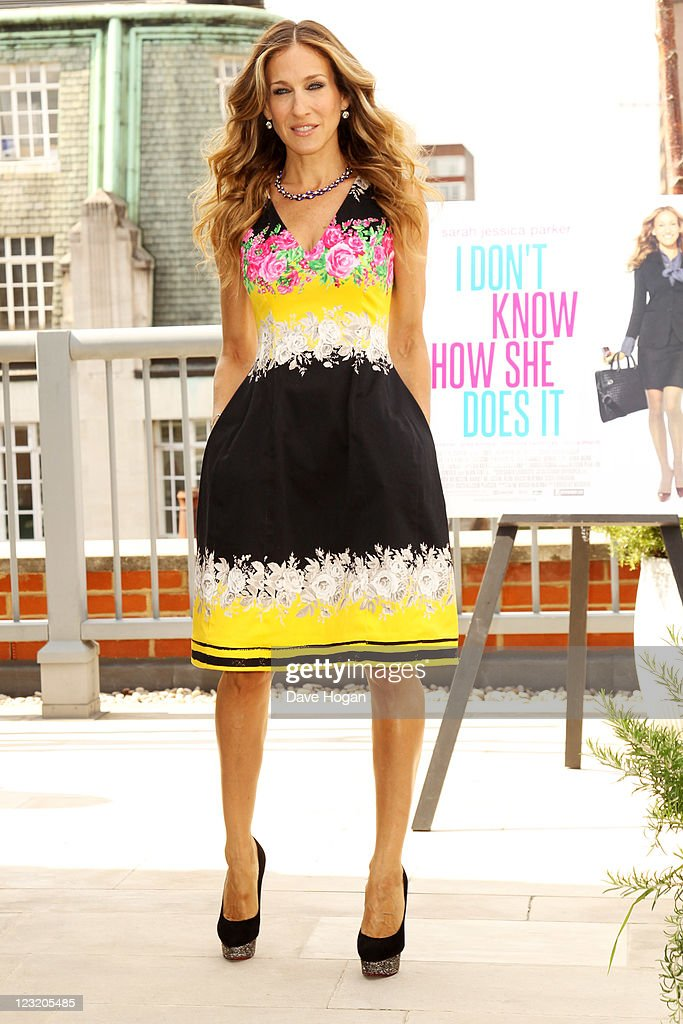 Sarah Jessica Parker poses for a photocall to promote the UK release of 'I Don't Know How She Does It' at The Soho Hotel on September 1 2011 in...