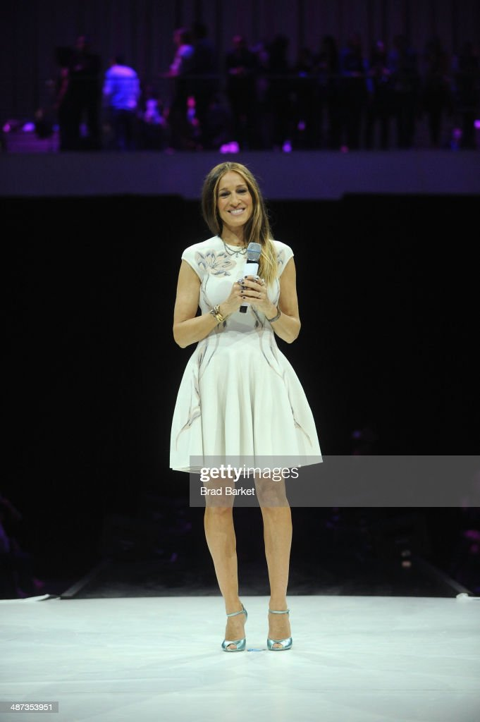 <a gi-track='captionPersonalityLinkClicked' href=/galleries/search?phrase=Sarah+Jessica+Parker&family=editorial&specificpeople=201693 ng-click='$event.stopPropagation()'>Sarah Jessica Parker</a> speaks onstage at the 2014 AOL NewFronts at Duggal Greenhouse on April 29, 2014 in New York, New York.