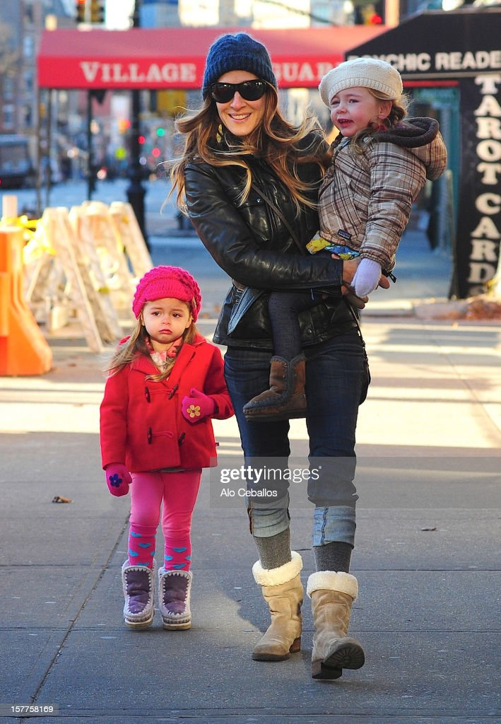 <a gi-track='captionPersonalityLinkClicked' href=/galleries/search?phrase=Sarah+Jessica+Parker&family=editorial&specificpeople=201693 ng-click='$event.stopPropagation()'>Sarah Jessica Parker</a>, <a gi-track='captionPersonalityLinkClicked' href=/galleries/search?phrase=Tabitha+Hodge+Broderick&family=editorial&specificpeople=5947262 ng-click='$event.stopPropagation()'>Tabitha Hodge Broderick</a> and <a gi-track='captionPersonalityLinkClicked' href=/galleries/search?phrase=Marion+Loretta+Elwell+Broderick&family=editorial&specificpeople=5947260 ng-click='$event.stopPropagation()'>Marion Loretta Elwell Broderick</a> are seen in the West Village at Streets of Manhattan on December 6, 2012 in New York City.
