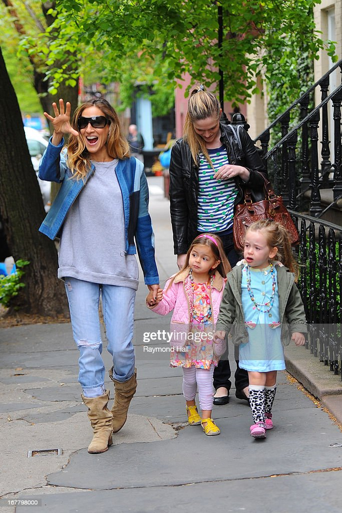 Sarah Jessica Parker walks children Tabitha and Marion Broderick to School April 30, 2013 in New York City.