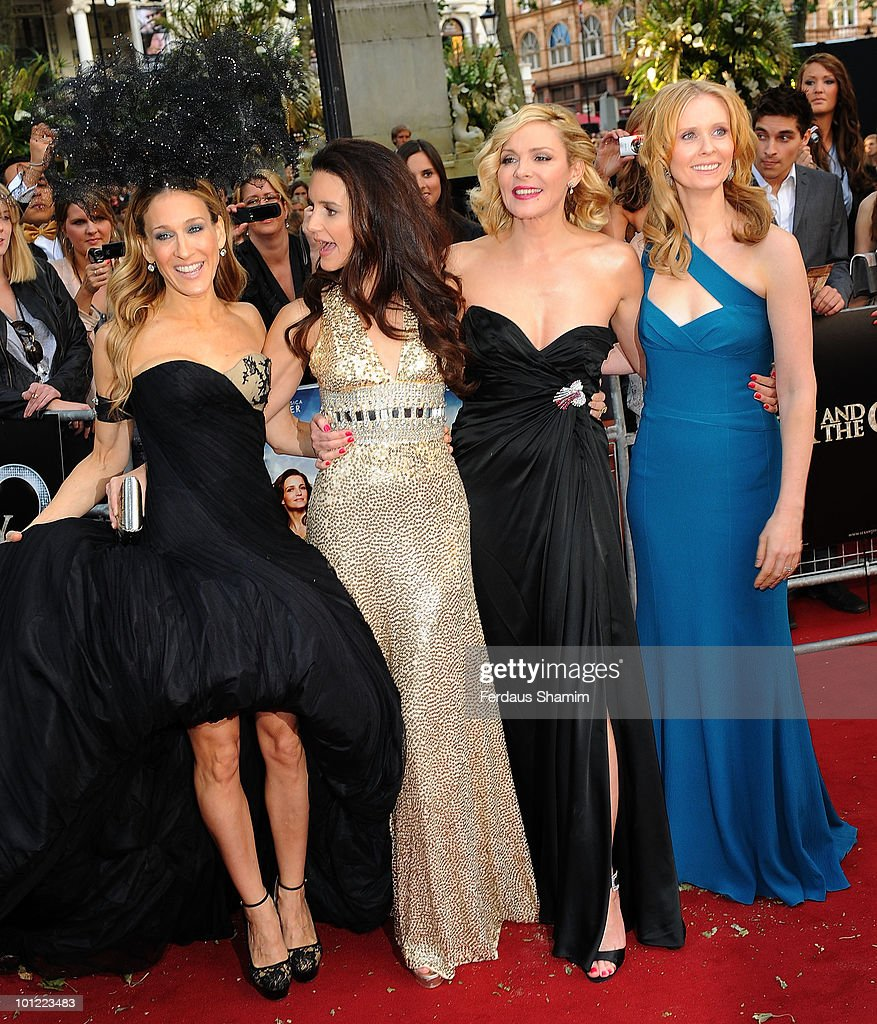 Sarah Jessica Parker,Kristin Davis, Kim Cattrall and Cynthia Nixon attend the UK premiere of Sex And The City 2 at Odeon Leicester Square on May 27, 2010 in London, England.
