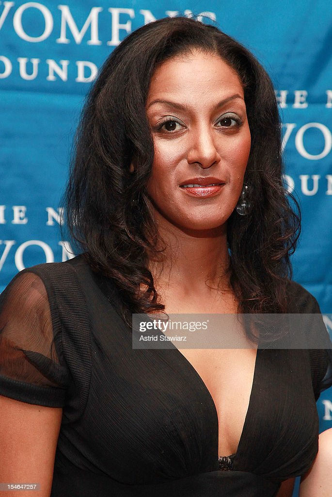 Sarah Jones attends New York Women's Foundation 25th Anniversary Celebration at Alice Tully Hall on October 23, 2012 in New York City.