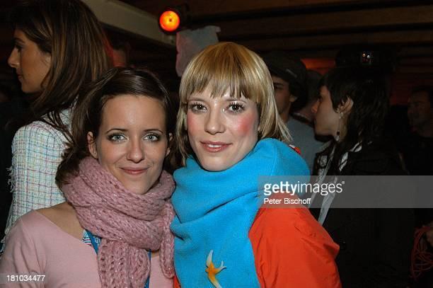 Sarah Kuttner 'Mieze' nach der ARDMusikshow 'Germany 12 Points'Deutscher Vorentscheid zum 'Eurovision Song Contest' Berlin 'Arena' Backstage Schal...
