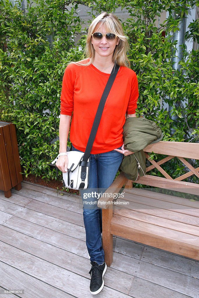 Sarah Lavoine attends the 2016 French Tennis Open - Day Six at Roland Garros on May 27, 2016 in Paris, France.